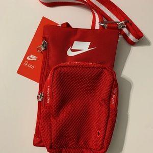 🚨SALE🚨Nike Essentials Sport Crossbody Bag